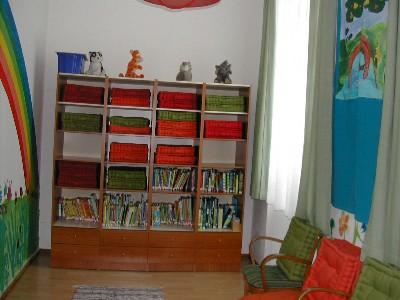 Dies findet in unserer kindgerecht ausgestatteten bibliothek statt